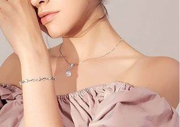women jewelry and wearables